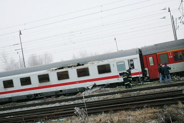 Vykolejený vlak v Kolíně