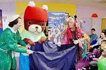 Za dětmi se vypravili obyvatelé kouzelného města Medvídkov