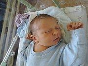 Ondřej Kuzďas se na maminku Lucii a tatínka Luboše poprvé usmál 22. srpna 2017. Vážil 4070 gramů a měřil 52 centimetrů. Doma v Cerhýnkách se na něj těší brácha Luboš (10).