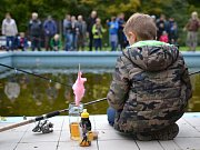 Radimští chytali ryby a pochutnávali si na dobrotách z bůčku