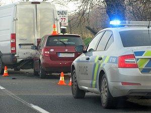Dopravní nehoda na silnici I/38 mezi odbočkami na Starý Kolín a Kaňk.