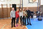Z netradičního výchovně vzdělávacího koncertu v tělocvičně 1. Základní školy v Kolíně.
