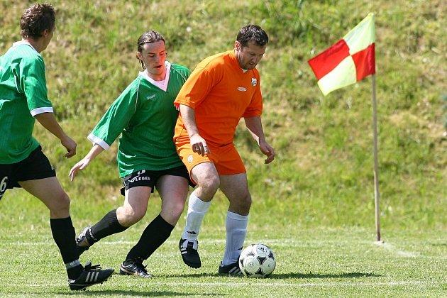 Z fotbalového turnaje v Nučicích.
