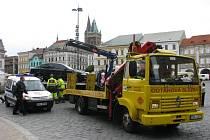 Odtah vozidel na Karlově náměstí v Kolíně