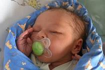 Tadeáš Roubíček se narodil 5. května 2014 smírami 52 centimetry a 4015 gramů. VSudějově ho přivítali maminka Radka, tatínek Michal a bráškové Lukáš (11) sTomášem (9).