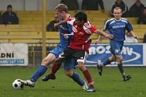 Z utkání fotbalové divize FK Kolín - Živanice (1:3).