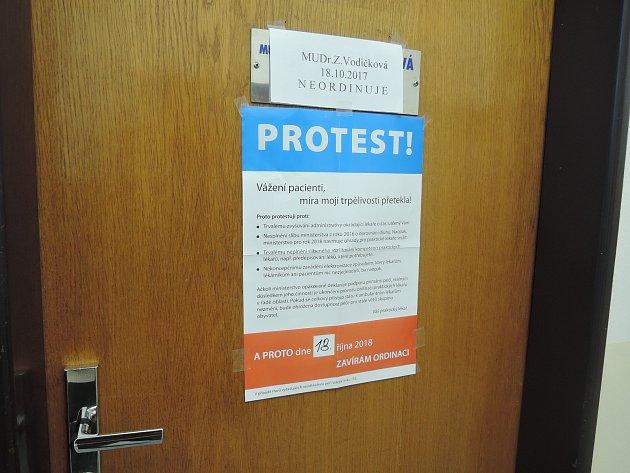 Lékaři z Kolína se připojili ke stávce.