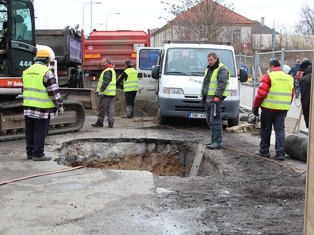 Postup prací na rekonstrukci vodovodu v Rorejcově ulici v Kolíně