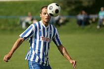 Bývalý fotbalový reprezentační útočník Vratislav Lokvenc působí v Unionu Čelákovice od čtvrtého kola jako hrající trenér. Na své konto si připsal dvě branky, které dal v duelu s týmem Polep