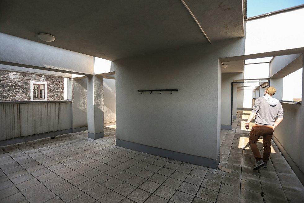 Radnice v Kolíně: nižší střecha.