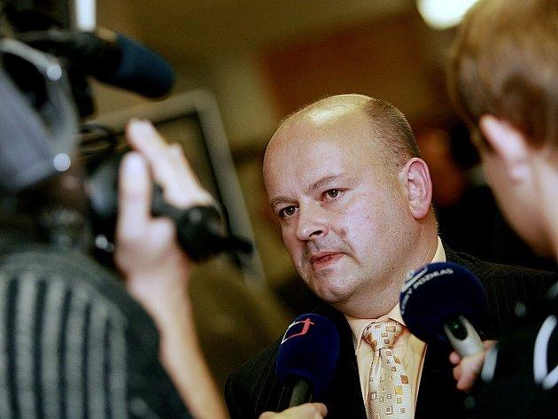 Zastupitel Jiří Pěkný podává trestní oznámení na své kolegy.