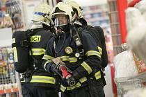 V kolínském OBI hořelo. Naštěstí jen jako. 9.6. 2009