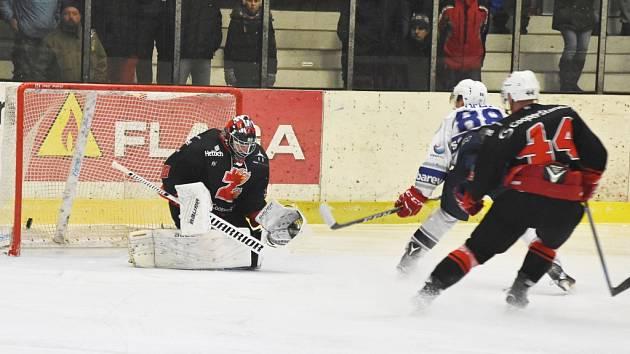 Hokejisté Kolína porazili Žďár nad Sázavou jasně 6:2.
