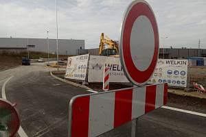 Výstavba obchodního centra v průmyslové zóně Kolín - Ovčáry.