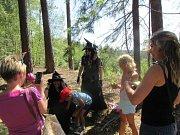Děti se na trase setkaly se zástupci jednotlivých měsíců.