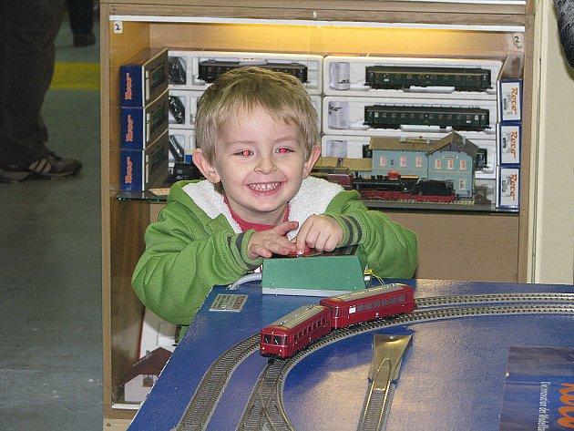 Výstava železničních modelů v Pečkách. Zdejší klub ji organizuje každý měsíc.
