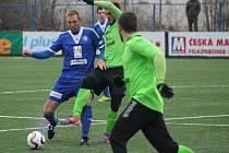 Fotbalisté Kolína (v modrém) první zápas Tipsport ligy proti Mostu prohráli.