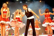 Na baletním večeru tančily nesmělé děti, krásné slečny i uznávaní profesionálové