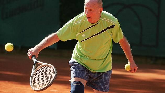 Z tenisového turnaje veteránů.