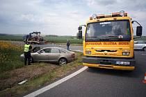 Dopravní nehoda na křižovatce silnic II/125 a I/2