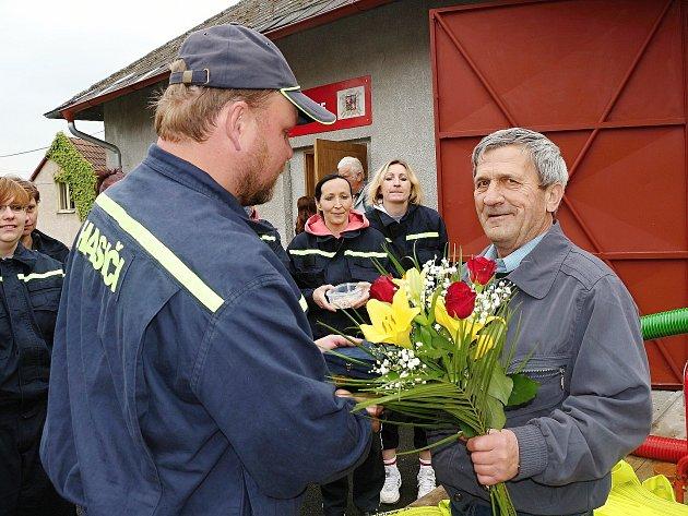 Ze slavnostního otevírání hasičské zbrojnice ve Viticích