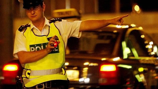 Počet policistů na Kolínsku nesplňuje tabulkové normy. Do plného počtu 254 jich 32 schází.
