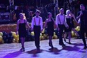 Maturanti si ples vychutnali do posledního doušku.