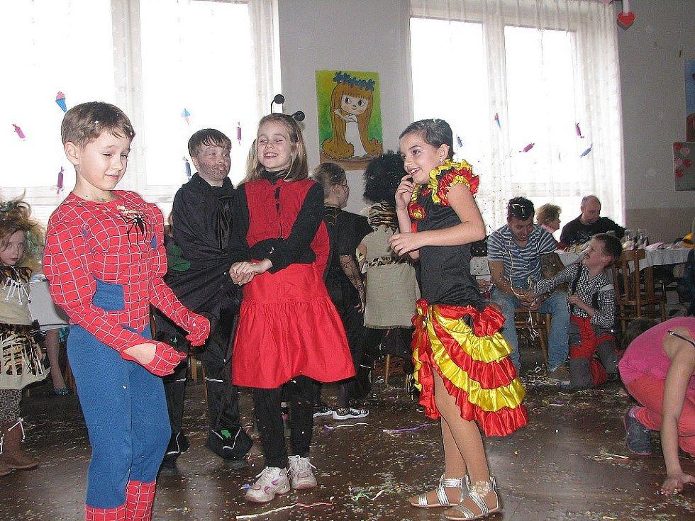 Maškarní rej v Krakovanech