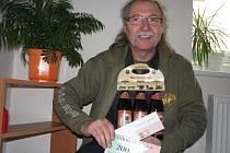 Zdeněk Hejduk vyhrál karton piv značky Rohozec, poukázku do pizzerie Týna v hodnotě 200,-Kč a poukázku na cvičení SlimBelly.