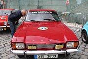 Majitelé auto a moto veteránů soutěžili v Kolínské plaketové jízdě