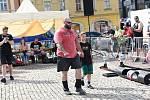 Na den dětí se na kolínském náměstí sešli strongmani, aby tak porovnali své síly.