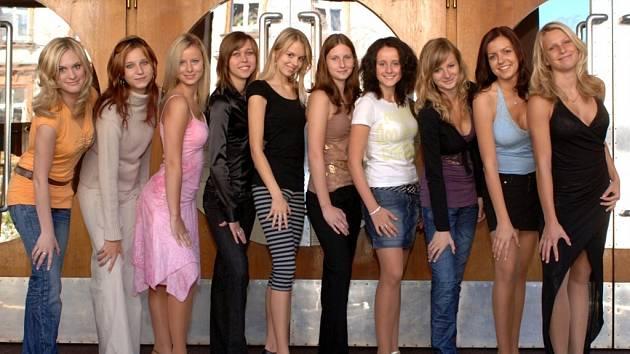 Finalistky 7. ročníku Miss Kolínska. Vítězka bude známa 30. listopadu 2007.