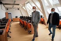 V novém pavilonu pro Základní školy Bezručova a Masarykova v Kolíně.