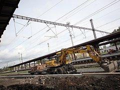 Rekonstrukce nástupiště vlakového nádraží v Kolíně. 21. červenec 2009