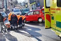 Nehoda v Mostní ulici v Kolíně.