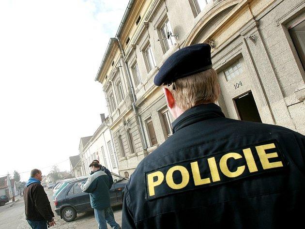 Policisté šetří úterní střelbu na místě činu.