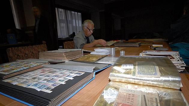 Setkání sběratelů známek, mincí a pohledů