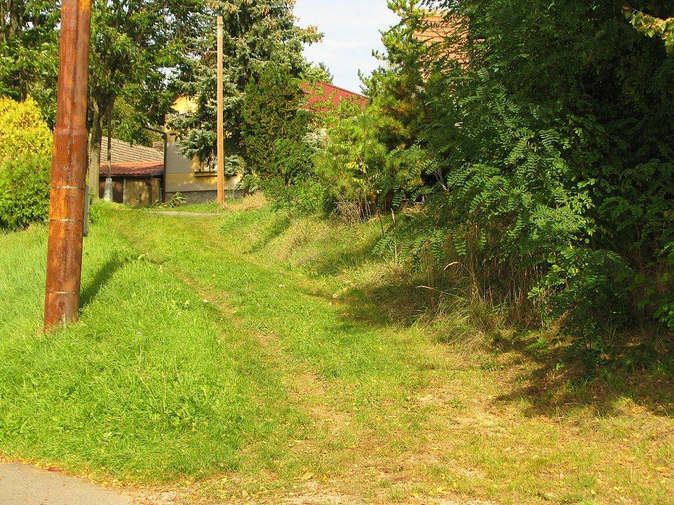 Obec Lžovice.