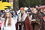 Již po dvanácté uspořádal Tábornický klub Arnika v kolínském Komenského parku ve dvě hodiny po poledni na Boží hod vánoční tradiční Živý Betlém.