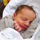 SEBASTIAN ŠAMKO se narodil 28. ledna ve 13.31 hodin rodičům Monice a Martinovi. Vážil 2,85 kg a měřil 48 cm. Rodina bydlí vChoustníkově Hradišti.
