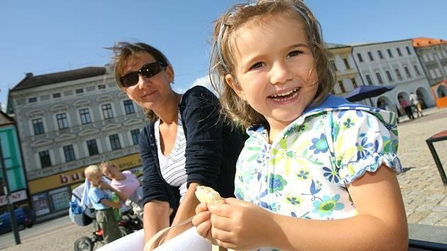 Letní den v ulicích a na náměstí Kolína