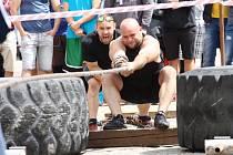 Soutěž Strongman na kolínském náměstí