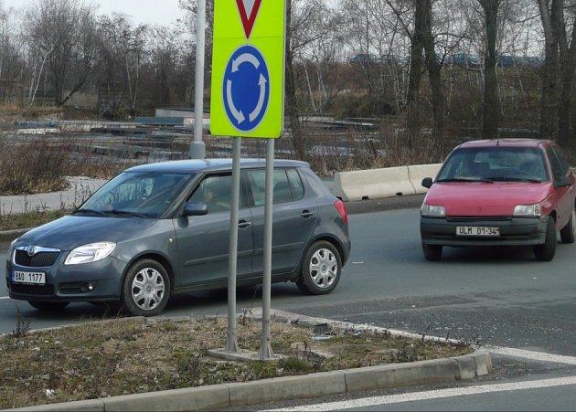 Dopravní nehoda u Lidlu v Kolíně