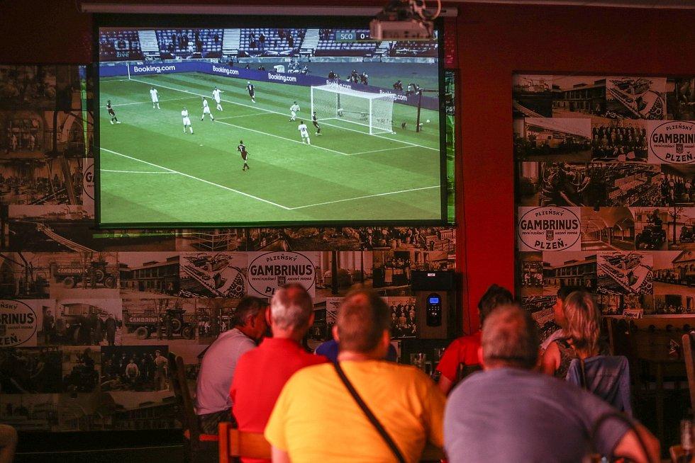 Kolíňáci fandili českým fotbalistům při úvodním utkání EURO 2020.
