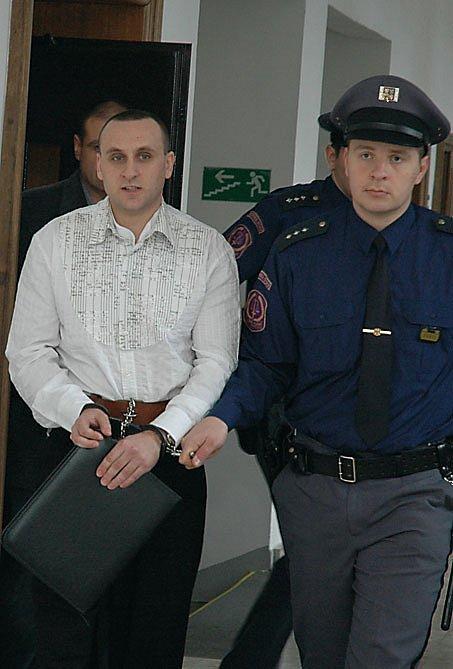 Z PŘÍPRAVY VRAŽDY obchodního partnera se před krajským soudem zpovídají podnikatelé Michal Strnad a Jiří Kubín. Oba vinu odmítají.
