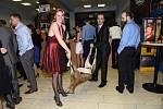 Prvním nematuritním plesem vprostorách kolínského Městského společenského domu se třetí letošní pátek stal jako každý rok Myslivecký bál pořádaný Mysliveckým sdružením Křečhoř.