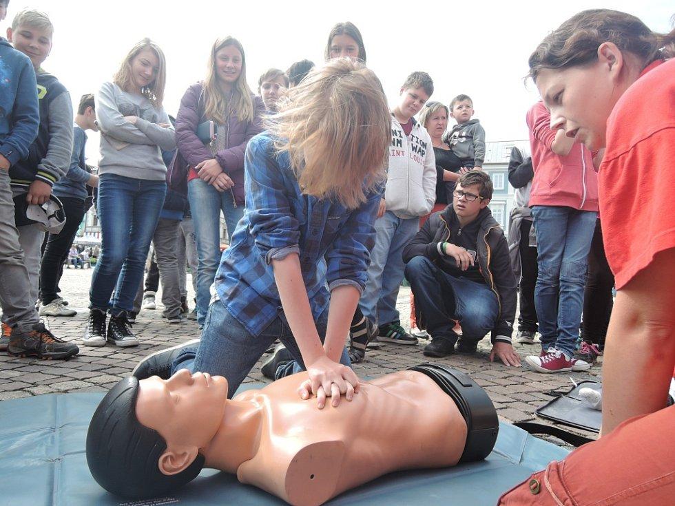 Nejen děti se učily jak poskytnout první pomoc