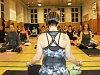 KRÁTCE: Mezinárodní den jógy opět pomůže k záchraně deštných pralesů