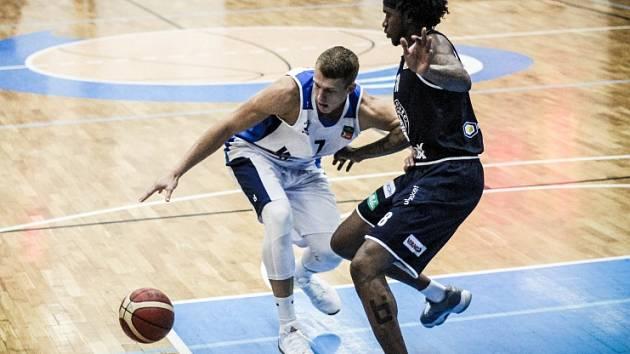 Z utkání BC Kolín - Děčín (75:91).