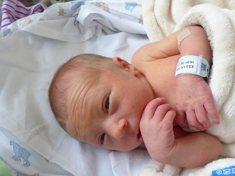Vilém Eliáš se narodil 16. září 2021 v kolínské porodnici,  vážil 2500 g a měřil 48 cm. V Sánech se z něj těší sestřička Margareta (2) a rodiče Natálie a Jan.